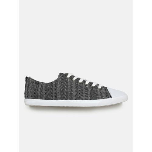 Mast & Harbour Men Charcoal Sneakers