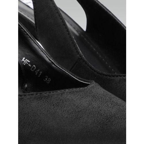 Elle Women Black Solid Pumps