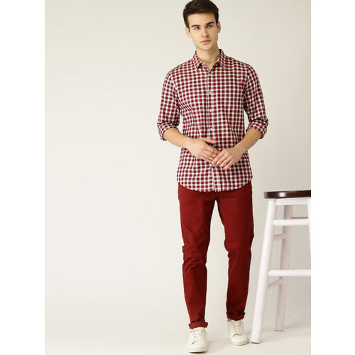United Colors of Benetton Men Maroon & Off-White Slim Fit Checked Casual Shirt
