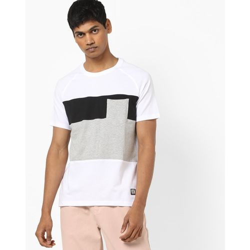AJIO Slim Fit Colourblock Crew-Neck T-shirt