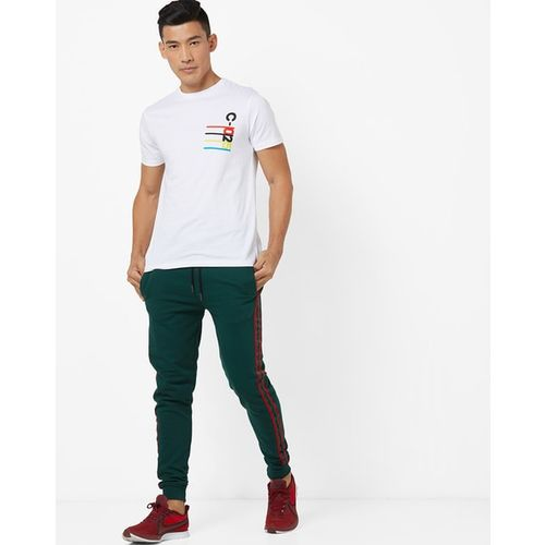 AJIO Graphic Print Crew-Neck Slim Fit T-shirt