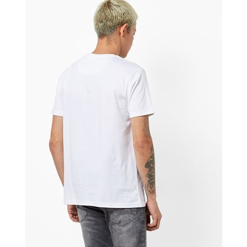 AJIO Graphic Print Slim Fit Crew-Neck T-shirt