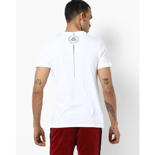 AJIO Slim Fit Crew-Neck T-shirt with Contrast Patch