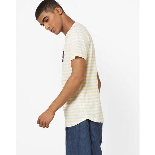 AJIO Striped Slim Fit Crew-Neck T-shirt