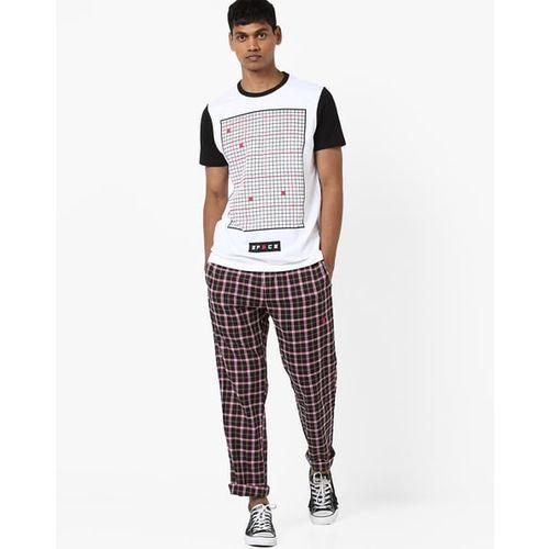 AJIO Geometric Print Slim Fit Crew-Neck T-shirt
