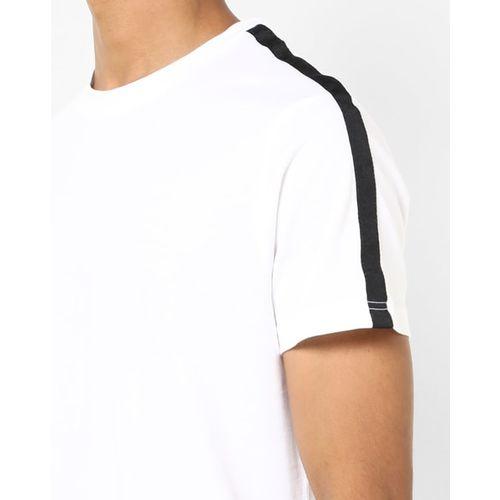 AJIO Crew-Neck T-shirt with Contrast Panel