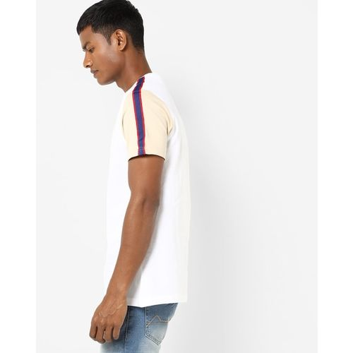 AJIO Crew-Neck T-shirt with Contrast Sleeves