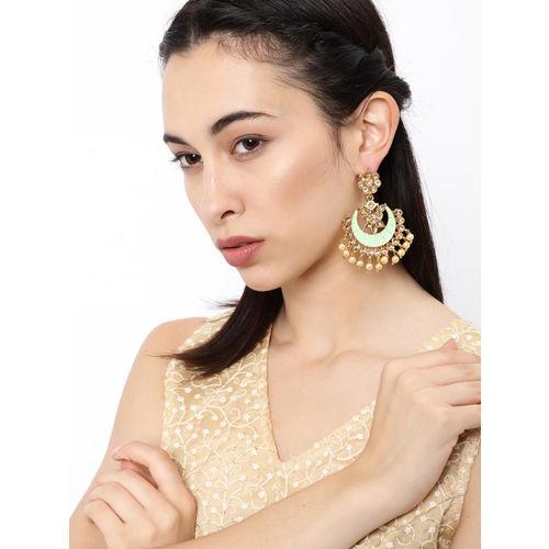 Zaveri Pearls Gold-Toned & Green Crescent Shaped Chandbalis