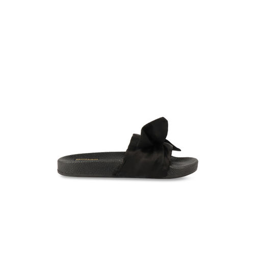 Shoetopia Black Rubber Slip-on Flat Flip Flops
