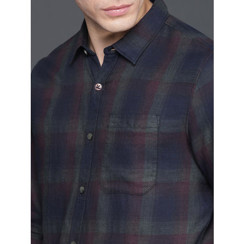 WROGN Men Maroon & Navy Regular Fit Checked Casual Shirt