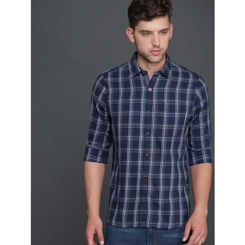 WROGN Men Navy & Off-White Smart Regular Fit Checked Casual Shirt