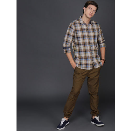 WROGN Men Khaki & Blue Regular Fit Checked Casual Shirt