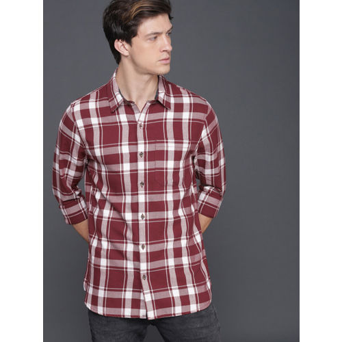 WROGN Men Maroon & Off-White Slim Fit Checked Casual Shirt