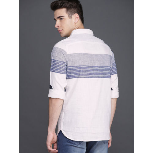 WROGN Men Off-White & Blue Relaxed & Smart Fit Striped Casual Shirt