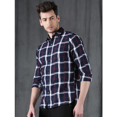 WROGN Men Navy & White Relaxed & Smart Fit Checked Casual Shirt