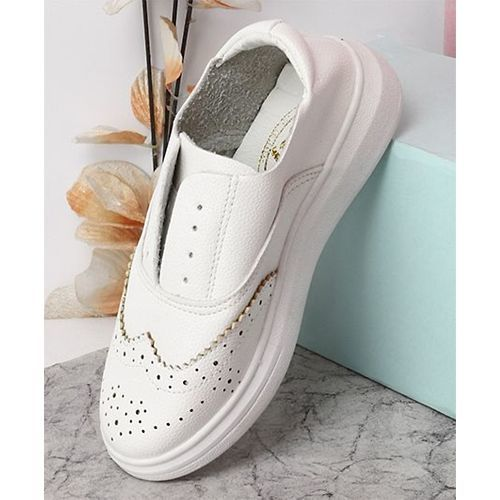 Kidlingss Stylish Slip-On Casual Shoes - White