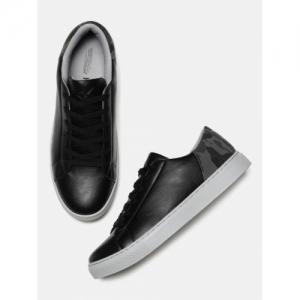 on sale 092a9 3027d HRX by Hrithik Roshan Men Black Sneakers