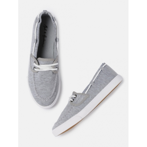 Mast & Harbour Women Grey Boat Shoes
