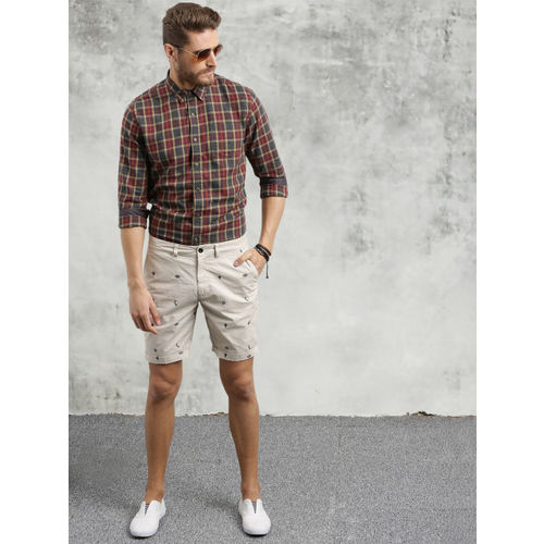 Breakbounce Men Red & Grey Slim Fit Checked Casual Shirt