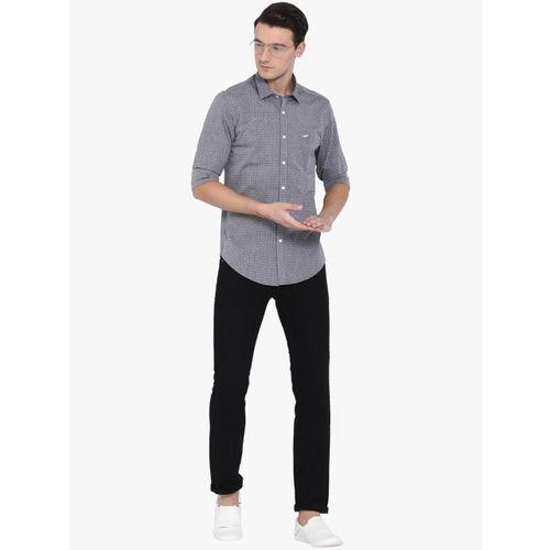 Crocodile Men Grey & Off-White Slim Fit Self Design Casual Shirt