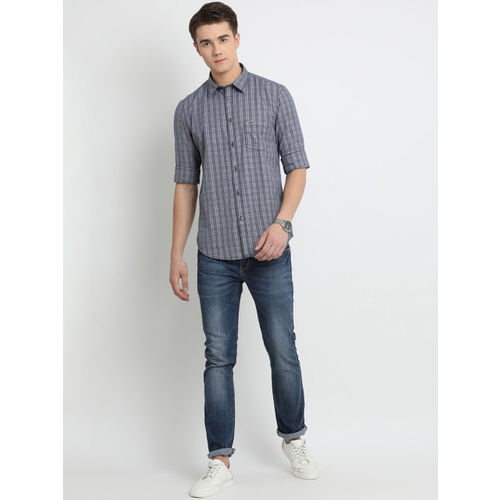 Crocodile Men Grey Slim Fit Checked Casual Shirt