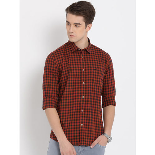 Crocodile Men Orange & Black Slim Fit Checked Casual Shirt