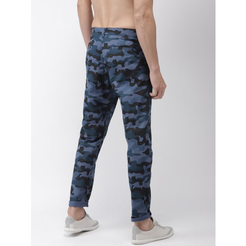 HIGHLANDER Men Blue & Black Tapered Fit Printed Chinos