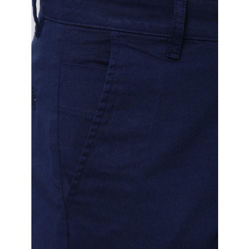 HIGHLANDER Men Blue Tapered Fit Solid Chinos