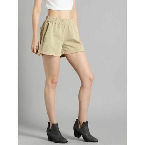 Roadster Time Travlr Women Beige Solid Regular Fit Regular Shorts