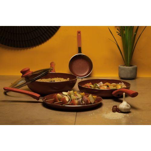 Wonderchef Royal Velvet Red Set of 4Pcs Induction Bottom Cookware Set(Aluminium, 4 - Piece)