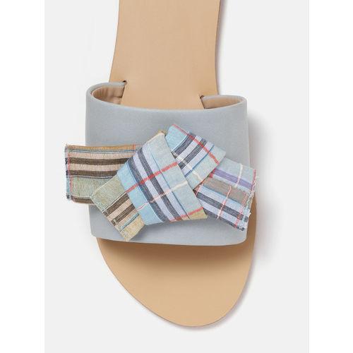 DressBerry Women Blue Knot Detail Open Toe Flats