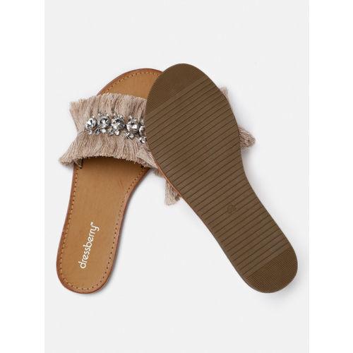 DressBerry Women Camel Brown Solid Open Toe Flats