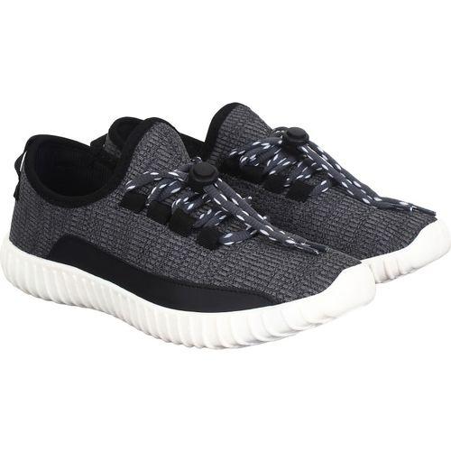 Aero Boost Walking Shoes For Men(Black, Grey)
