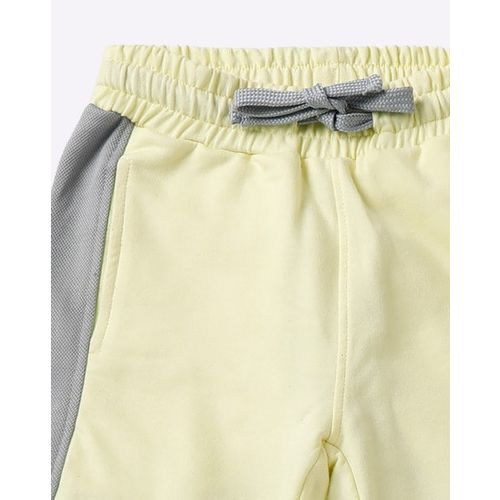 AJIO Colourblock Mid-Rise Shorts