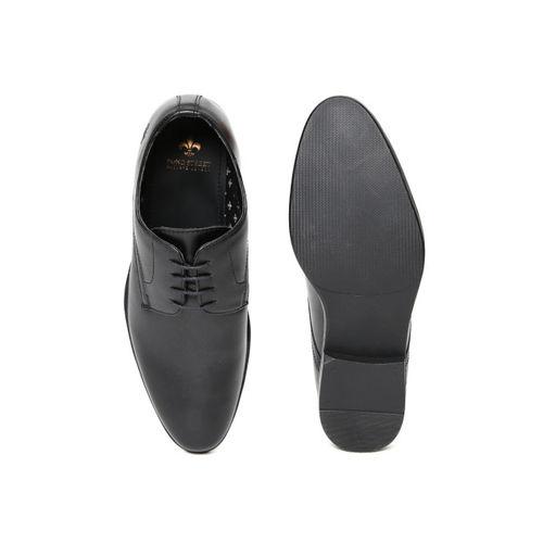 Bond Street by Red Tape Men Black Formal Shoes