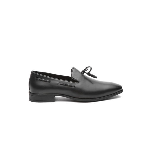 INVICTUS Men Black Semiformal Slip-Ons