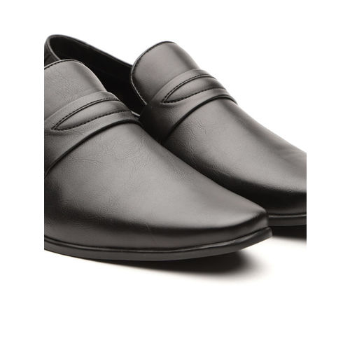 INVICTUS Men Black Solid Semiformal Slip-Ons