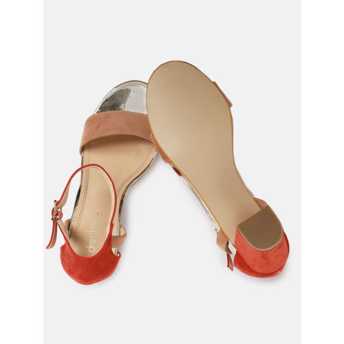 DressBerry Women Beige & Red Velvet Colourblocked Heels