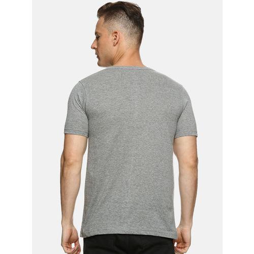 Campus Sutra Men Grey Solid Henley Neck T-shirt