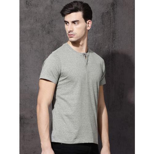 Roadster Men Grey Solid Henley Neck T-shirt