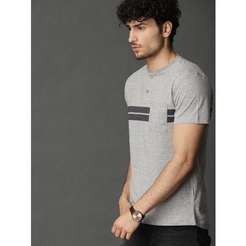 Roadster Men Grey Melange Color Block Striped T-shirt