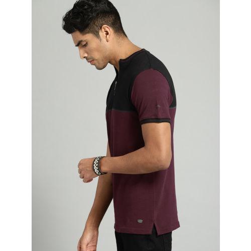 Roadster Men Burgndy & Black Colourblocked Henley Neck T-shirt