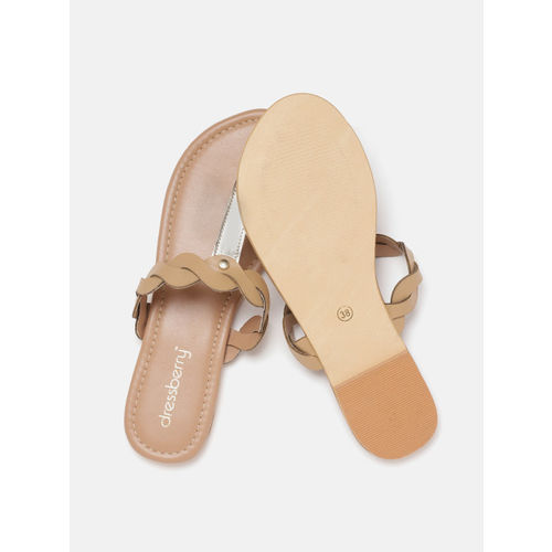 DressBerry Women Brown & Gold-Toned Colourblocked T-Strap Flats
