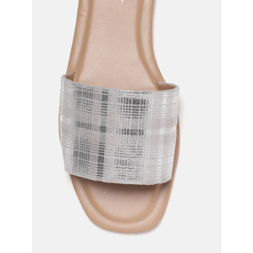 DressBerry Women Grey & Silver-Toned Checked Open Toe Flats