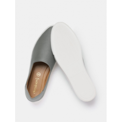 DressBerry Women Grey Slip-Ons