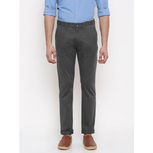 U.S. Polo Assn. Men Grey Slim Fit Solid Chinos