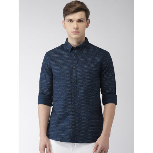 Celio Men Navy Blue & White Slim Fit Printed Casual Shirt