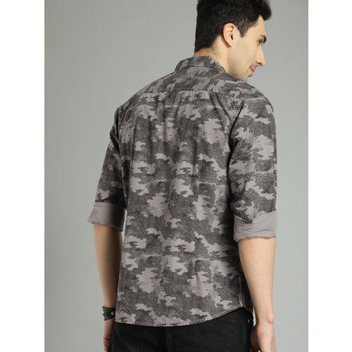 Roadster Men Grey & Black Regular Fit Printed Casual Shirt
