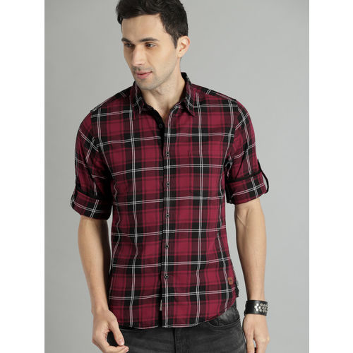 Roadster Men Maroon & Black Checked Casual Shirt