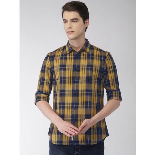 Celio Men Yellow & Navy Blue Regular Fit Checked Casual Shirt
